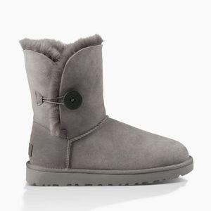 UGG Womens Bailey Top Sheepskin Leather Boots 7